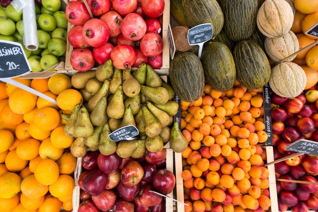 foodiesfeed.com_fresh-fruit-in-summer